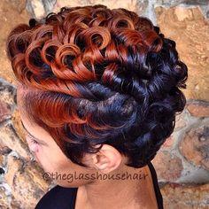 Her hair is slayedd 😍😍 My Hairstyle, Pretty Hairstyles, Bob Hairstyles, Stylish Hairstyles, Short Black Hairstyles, Short Sassy Hair, Short Hair Cuts, Natural Hair Short Cuts, Curly Short