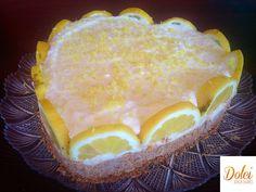 LA TORTA FREDDA AL LONE SENZA BURRO è un dice perfetto per l'estate perché si prepara senza forno! Una base di #biscotti #integrali #senzaburro vengono avvolti da una fresca e delicata #crema al limone Ecco la #ricetta del #dolce http://www.dolcisenzaburro.it/recipe-items/torta-fredda-al-limone-senza-burro/ #dolcisenzaburro healthy and light desserts cakes sweets