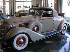Taken at the Auburn Cord Dusenberg Museum in Auburn IN. Cool Old Cars, Fancy Cars, Vintage Cars, Antique Cars, Auburn Car, Old Classic Cars, Bus, Concept Cars, Cars Motorcycles