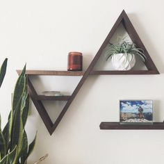 Spice up your walls with this geo-boho-rustic double triangle shelf! This handcrafted double triangle is easily hung with brad nails - I left off. Homemade Shelves, Homemade Books, Girl Bedroom Designs, Room Ideas Bedroom, Bedroom Decor, Farmhouse Towel Bars, Rustic Wall Shelves, Woodworking Toys, Woodworking Classes