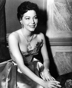 gatabella:  Ava Gardner, 1954