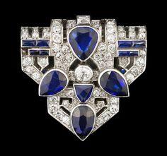 Art Deco diamond and blue sapphire clip, Brocké Wallace Bijoux Art Deco, Art Deco Jewelry, Fine Jewelry, Jewelry Design, Antique Jewelry, Vintage Jewelry, 1920s, Art Deco Period, Art Deco Diamond