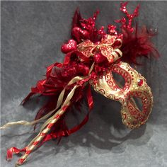 venetian masks - one of my favorite things to look at in italy!
