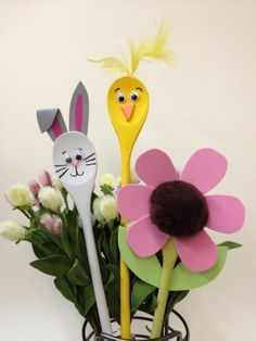 Easter handicrafts - quick and easy Easter decorating ideas- Osterbasteleien – schnelle und leichte Osterdekoideen light easter crafts and decoration - Wooden Spoon Crafts, Wood Spoon, Christmas Crafts For Kids, Simple Christmas, Christmas Star, New Crafts, Easy Crafts, Spring Decoration, Easter Religious