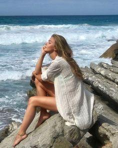 Beach Photography Poses, Beach Poses, Beach Portraits, Summer Photography, Portrait Photography, Beach Aesthetic, Aesthetic Photo, Summer Poses, Shotting Photo