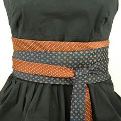 cute idea for old ties. Old Ties, Diy Belts, Tie Crafts, Diy Kleidung, Diy Vetement, Obi Belt, Creation Couture, Diy Fashion, Fashion Trends