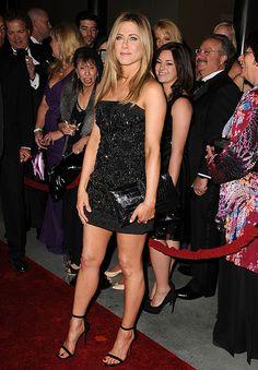 2 Jennifer Aniston - Little Black Dress with Ankle Strap Heels Jennifer Aniston Fotos, Jennifer Aniston Pictures, Jennifer Aniston Style, Jeniffer Aniston, Jennifer Love, Celebrity Look, Facon, Little Dresses, Sexy Legs