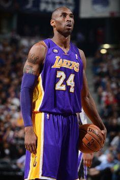 Kobe pauses before taking a free throw. Bryant pauses before taking a foul shot (March 30, 2013 | Los Angeles Lakers @ Sacramento Kings | Sleep Train Arena in Sacramento, California)