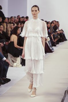 V MAGAZINE / FIRST LOOK: VALENTINO COUTURE