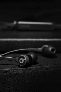 Fit for your life, Beats X wireless headphones are the perfect wireless companion with Apple's chip, up to 8 hours of battery life and Fast Fuel charging. Black And White Aesthetic, Black Love, Back To Black, Music Wallpaper, Black Wallpaper, Ropa Brandy Melville, Telephone Smartphone, Dark Photography, All Black Everything