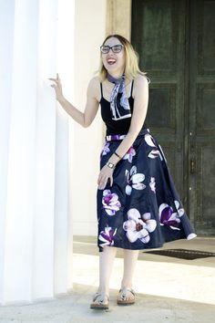 Feel like a princess and look like a princess with floral midi skirt Midi Skirt, Princess, Floral, Skirts, How To Wear, Fashion, Florals, Moda, La Mode