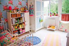 Coisinhas de decorar: Só quartinhos de meninas... idéias de decoração, cores, armários, adesivos, cômodas, tapetes e muito estilo......... dedico a minha amiga Ana Carol#