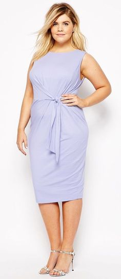 Plus Size Body-Conscious Dress with Knot