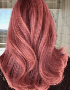 Fall Is Coming and These Will Be the Most Popular Hair Color Trends Gold Hair Colors, Hair Color Pink, Red Pink Hair, Long Pink Hair, Red Hair To Rose Gold, Green Hair, Copper Gold Hair Color, Unique Hair Color, Curly Pink Hair