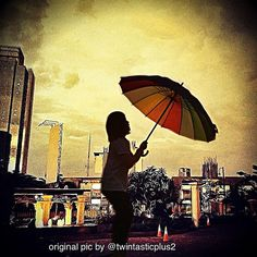 In such an umbrella before it rains ☔☀☁ editing only for #editstyles_gf_mar30 and the original pic by @twintastiplus2 , enjoy! - @jesicca_gi- #webstagram