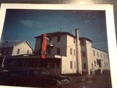 Ancien Hôtel LaSalle sur l'Avenue Marcoux (Aujourd'hui Le Centre Populaire) vers les années 60-70