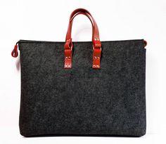 Übergroße Unisex fühlte sich Macbook Pro Tasche, Rotes Leder, Tasche, behandeln, für sie, für ihn, Naturleder, viele Taschen, große Filz Tasche von popeq auf Etsy https://www.etsy.com/de/listing/210638751/ubergrosse-unisex-fuhlte-sich-macbook
