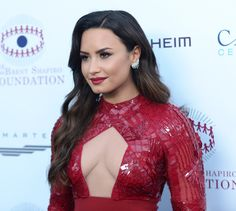 Gi Joe, Miley Cyrus, Demi Lovato 2017, Beverly Hills, Demi Love, Concert Fashion, Hollywood Celebrities, Girls In Love, The Girl Who