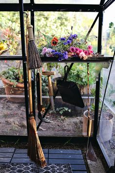 Kristin Guy is a pro at greenhouse design. The stylist and photographer DIY-ed her own plant nursery—here are her tips. Indoor Greenhouse, Backyard Greenhouse, Small Greenhouse, Greenhouse Wedding, Greenhouse Plans, Dome Greenhouse, Greenhouse Interiors, Plant Nursery, Hydroponics