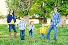 great color scheme and outfits...family pose...paisley studios
