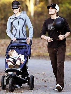 Nicole Kidman and Keith Urban take their daughter for a walk in her Mountain Buggy Urban stroller. Find one for your little one at albeebaby.com.  *Please join us (Albee Baby) on Facebook: http://on.fb.me/1qElS1J  Instagram: http://instagram.com/albeebabydotcom and Twitter: https://twitter.com/AlbeeBaby (no-spam zones!)