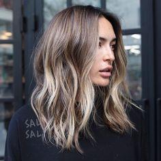35 Fantastiche Immagini Su Capelli Mossi Medi Hairstyle Ideas
