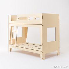 CASTELLO детская кровать из фанеры от студии Plyroom