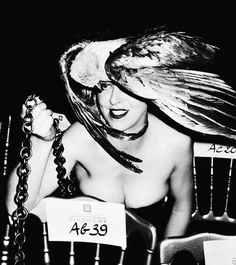 Decadent Old Bitches: Queen Isabella Blow Isabella Blow, Queen Isabella, English Magazine, Sophie Dahl, Daphne Guinness, Stella Tennant, Fascinator Hats, Fascinators, Headpiece