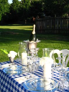picnic with bubbly and blue gingham tablecloth Gingham Party, Blue Gingham, Old New Borrowed Blue, Blue And Silver, Blue And White, Checkered Tablecloth, Family Picnic, Backyard Bbq, White Decor