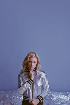 Riverdale star Lili Reinhart is continuing her foray into fashion. After appearing in H&M Studio's campaign earlier this fall, Reinhart is the face of stylist Ilaria Urbinati and the Mighty Company's Breakup Collection. Betty Cooper, Riverdale Cast, Riverdale Betty, Riverdale Netflix, Vanessa Morgan, Petsch, Lili Reinhart And Cole Sprouse, Jackson, Film Serie