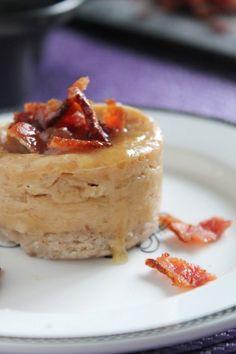 Bourbon, Bacon, and Maple Mini Cheesecakes via @thespiffycookie