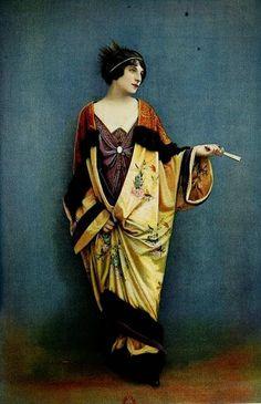 Belle Epoque kimono, Paul Poiret was inspired by the Japan and set the kimono style and colors. Les Modes (Paris) 1912 Robe de Bal et Manteau du Soir par Laferriere Jeanne Lanvin, Edwardian Era, Edwardian Fashion, Vintage Fashion, Victorian, Moda Vintage, Vintage Mode, Photo Vintage, Vintage Photos