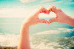 pinterest BEACH | beach, beauty, blue, hand - image #539572 on Favim.com