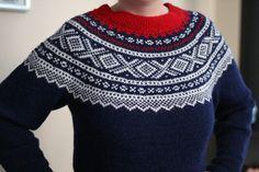 Ravelry: Marius-genser rund sal pattern by Unn Søiland Dale Fair Isle Knitting Patterns, Fair Isle Pattern, Knit Patterns, Sweater Patterns, Christmas Knitting, Christmas Sweaters, Norwegian Knitting, Folk Fashion, Ravelry