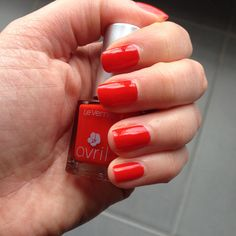 Vernis avril #7free #coquelicot par @gaylebliss alias Pink Blizzard ! Shoppez-le ici: http://www.avril-beaute.fr/ongles/435-vernis-gris-fonce-reflets-verts-3662217004102.html #avrilbeate #avril #nail #nailpolish #madeinfrance #ongles