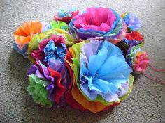 Polluted Pixie: Mexican Paper Flower Tutorial in fall colors? Mexican Paper Flowers, Tissue Paper Flowers, Mexican Christmas Decorations, Christmas Crafts, Christmas Ornaments, Flower Crafts, Diy Flowers, Flower Diy, Mexican Fiesta Party