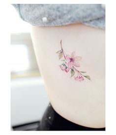 43 Amazing and Tiny Tattoos You Can Try - tattoos and piercings - Minimalist Tattoo Wolf Tattoos, Finger Tattoos, Body Art Tattoos, New Tattoos, Tattoos For Guys, Feather Tattoos, Tatoos, Tattoos For Women Flowers, Small Flower Tattoos