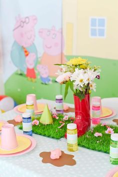 Isis O's Birthday / Peppa Pig - Photo Gallery at Catch My Party 2nd Birthday Party For Girl, Pig Birthday, Birthday Table, Birthday Ideas, Kids Party Themes, Birthday Party Decorations, Party Ideas, Pig Decorations, Peppa E George