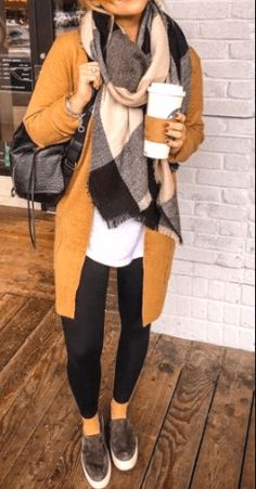 25 Women Casual Outfits For Fall Women Casual Outfits For Fall. Casual outfits a. - Outfits for Work - 25 Women Casual Outfits For Fall Women Casual Outfits For Fall. Casual outfits a. Mode Outfits, Girl Outfits, Fashion Outfits, Womens Fashion, Women Fashion Casual, Winter Fashion Casual, Fashion Hacks, Fashion Essentials, Fashion Tips