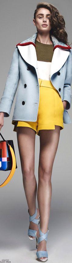 Fendi Resort 2016 I love the shorts. Couture Fashion, Runway Fashion, Fashion Models, Fashion Brands, High Fashion, Fashion Show, Fashion Design, Model Legs, Fru Fru