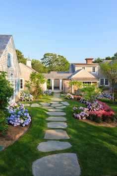 28 Beautiful Small Front Yard Garden Design Ideas-love the natural stone.  Hmmm, how handicapped friendly is it?