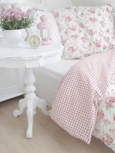 Chambre à coucher - Bedroom - Blanc - White - Rose - Pink