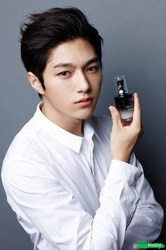 Myungsoo being perfect for Vinistyle. Asian Actors, Korean Actors, Hyun Soo, Kim Myungsoo, Kento Nakajima, Lee Sungyeol, Korean Wave, Woollim Entertainment, Kpop