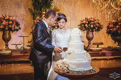 Thiago + @fabyfeemdeus  Cabelo e Make up @castudiodebeleza Coroa de flores @ivonnepaiva  #bride  #wedding #casaréumbarato #casamento #noivavintage  #noivalinda #casaltop #noiva  #noivavaidosa #weddingday  #weddingdress #weddingphotography  #bridesmaid  #noivas2017  #noivado #photography  #photographylovers  #camarotedovale  #noivas  #eucaseicomumpríncipe #yeswedding  #veudenoiva #vestidodenoiva  #inesquecivelcasamento #taosublimequantoamor#fotografia #foto #brasil #brazil#noivas2017rj…