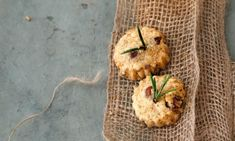 Haselnuss-Parmesan-Biscotti