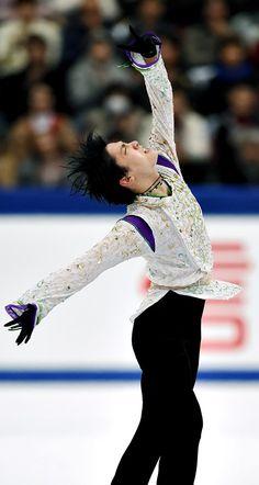 NHK Trophy 2015 || 男子フリーで演技する羽生結弦=白井伸洋撮影 (2015年11月28日)