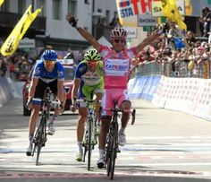 Giro d'Italia - Stage Seventeen  Purito outsprints GC favorites for stage 17 win