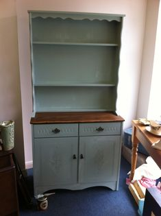 Ideas for painting a Welsh dresser