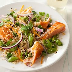 Cool Salmon and Couscous Salad - Substitute Quinoa Couscous Salad, Quinoa Salad, Quinoa Spinach, Salmon Salad, Spinach Salad, Salmon Recipes, Fish Recipes, Seafood Recipes, Gourmet