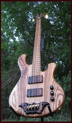 "31"" scale bass by Birdsong Guitars"
